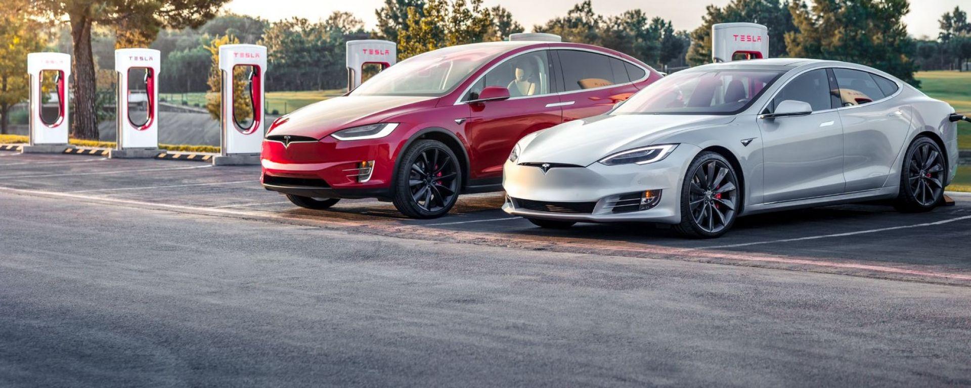 Tesla Model X 75D e Model S 75D, game over