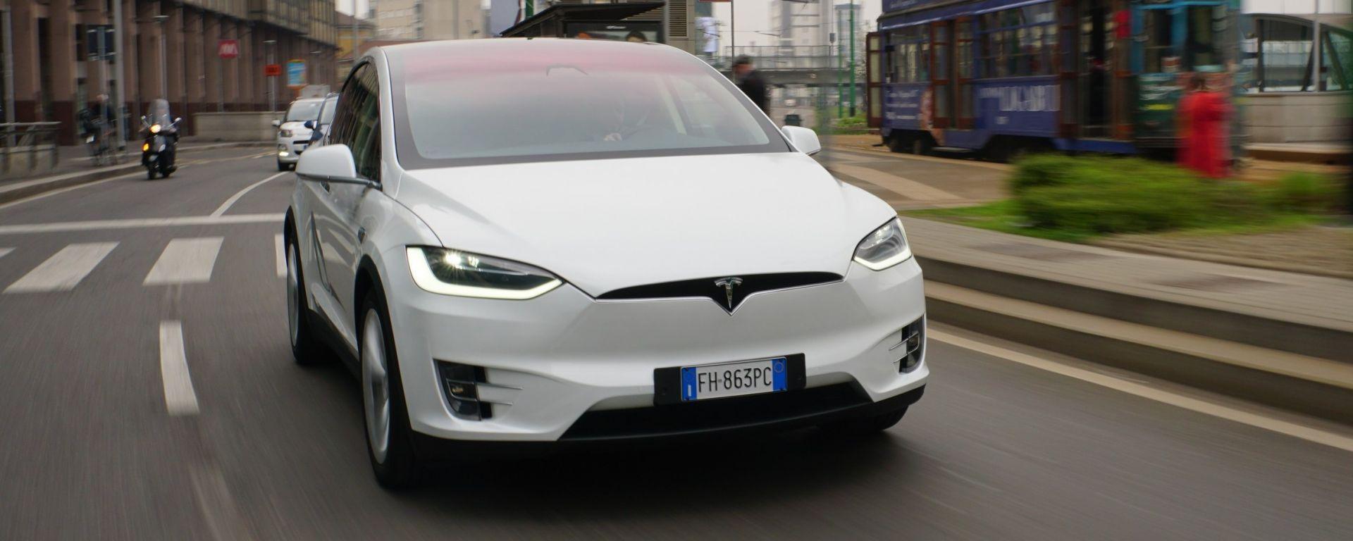 Tesla Model X 90D: frontale