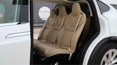 Tesla Model X 90D: gli interni