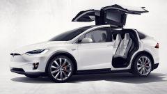 Tesla Model X: il suv elettrico diventa realtà - Immagine: 1