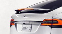 Tesla Model X: il suv elettrico diventa realtà - Immagine: 3