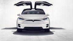 Tesla Model X: il suv elettrico diventa realtà - Immagine: 5