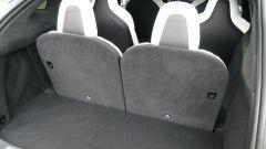 Tesla Model X Long Range: lo spazio dietro l'ultima fila non è elevato, bisogna reclinare gli schienali