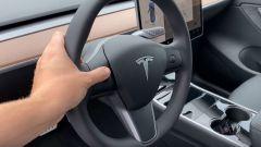 Tesla Model Y, il volante multifunzione