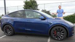 Tesla Model Y, la recensione di Doug DeMuro