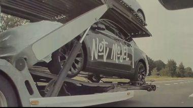 Tesla Model Y: le camuffature dei prototipi per l'Europa