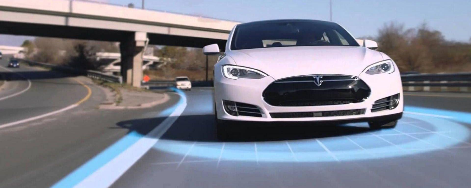 Tesla Autopilot 2020, guida autonoma con restrizioni in Europa ...