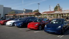 Tesla Model 3: dai ritardi nella produzione, ai ritardi nelle consegne
