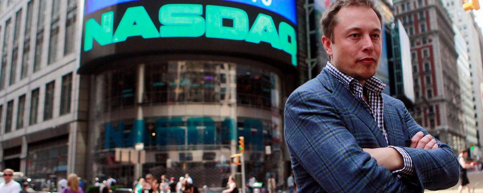 Tesla resta in Borsa, niente privatizzazione