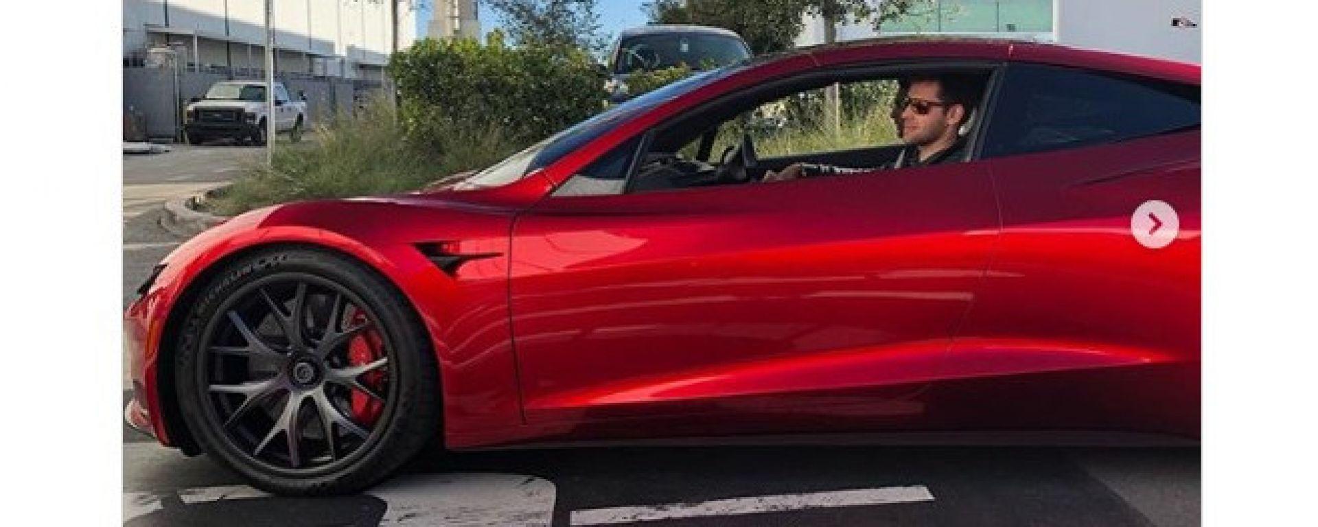Tesla Roadster: il prototipo pizzicato al Supercharger