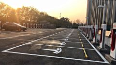 Tesla Supercharger, Beijing, in Cina una delle più grandi stazioni al mondo