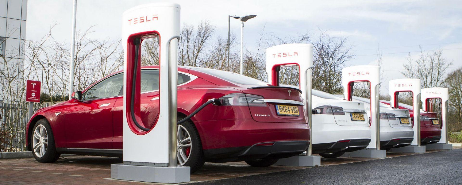 Tesla Supercharger: in tutta Europa entro l'anno prossimo