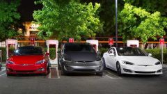 Tesla Supercharger, ricarica batterie in 30 minuti