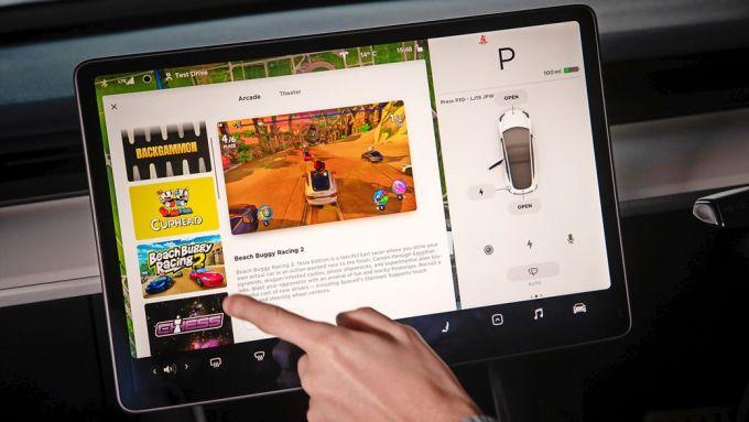 Tesla Toy Box: il contenitore di giochi per passare il tempo in auto