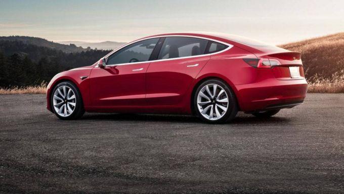 Tesla Toy Box: tanti passatempo a bordo delle elettriche americane