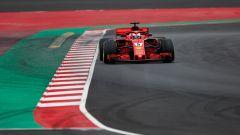 Test Barcellona: le più belle immagini della Ferrari SF71H - Immagine: 7