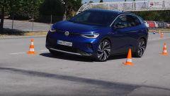 Test dell'alce: la VW ID.4 in azione
