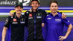 Test di Portimao: Lorenzo in pista con la M1, Rossi con la R1