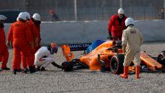 Test F1 2018 Barcellona Day 1, Fernando Alonso e il problema al mozzo della McLaren