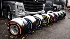Test F1 2018 Barcellona Day 3, le gomme Pirelli con la neve