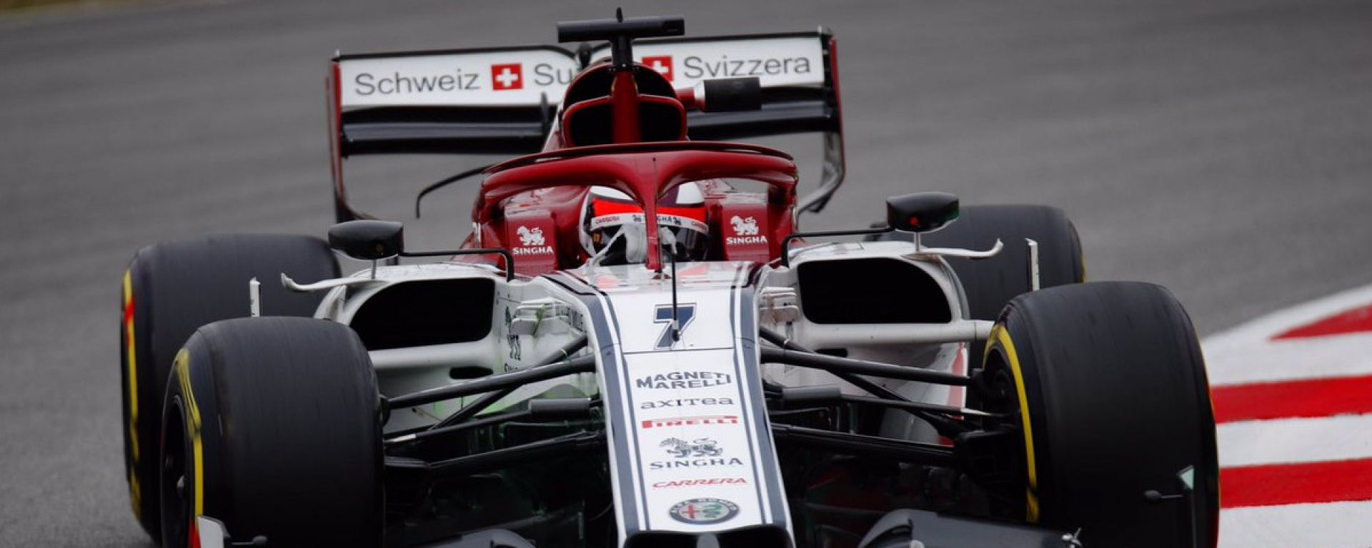 Test F1 Barcellona 2019, Kimi Raikkonen in azione con la Alfa Romeo