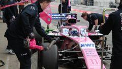 Test F1 Barcellona 2019, Perez in pitlane