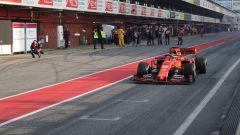 Test F1 Barcellona, Charles Leclerc nella corsia dei box con la sua Ferrari