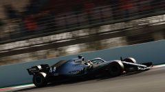 Test F1 Barcellona, Lewis Hamilton in azione con la sua Mercedes