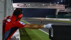 Test Losail, day 3: Vinales davanti. Risalgono Rossi, Marquez e Lorenzo - Immagine: 4