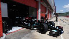 Test Pirelli: Mercedes in pista a Imola con cerchi da 18 - VIDEO