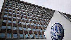 Test emissioni con scimmie e cavie umane, sospeso manager Volkswagen