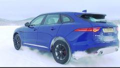 The Frozen One: Mourinho guida la Jaguar F-Pace su ghiaccio - Immagine: 8