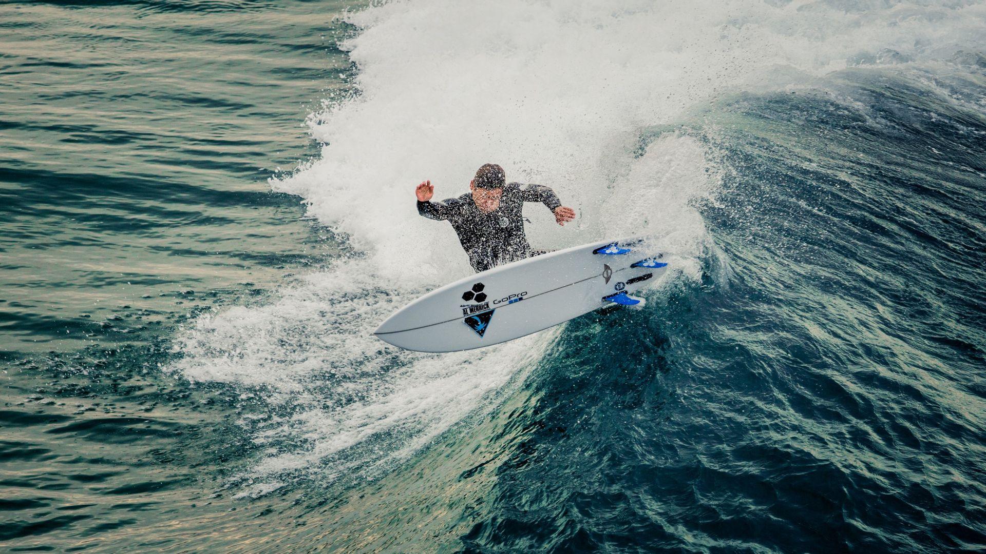 Curiosit the mini la tavola da surf firmata mini motorbox - Tavola da surf a motore ...