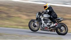The Super by Roland Sands in pista