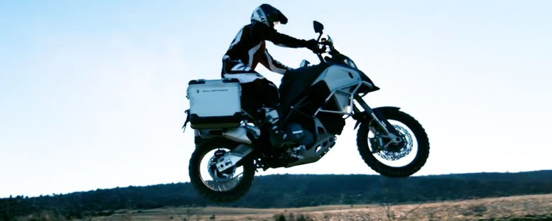 The wild side of Ducati: la Multistrada 1200 Enduro in off road