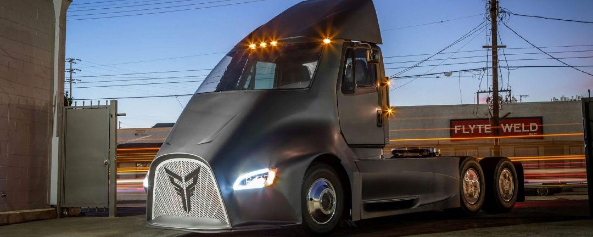 Thor Trucks presenta camion elettrico rivale di Tesla Semi
