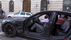Tom Cruise e la BMW M5 sul set di Mission Impossible 7 a Roma
