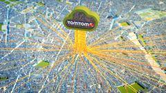 TomTom aumenta le sue funzioni con il servizio per individuare i parcheggi disponibili