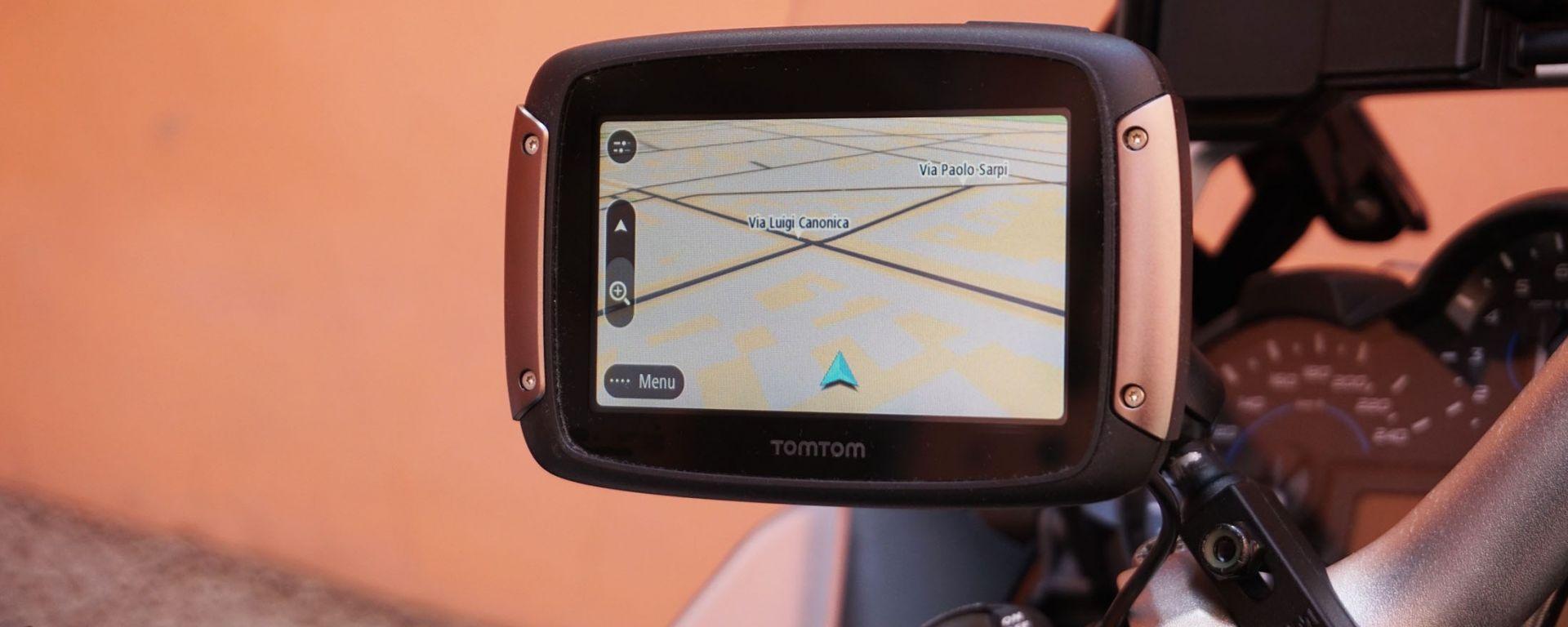 TomTom Rider 450: viaggiare in moto senza problemi