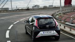 Toyota Aygo 1.0 VVT-1 x-clusiv MMT - Immagine: 7
