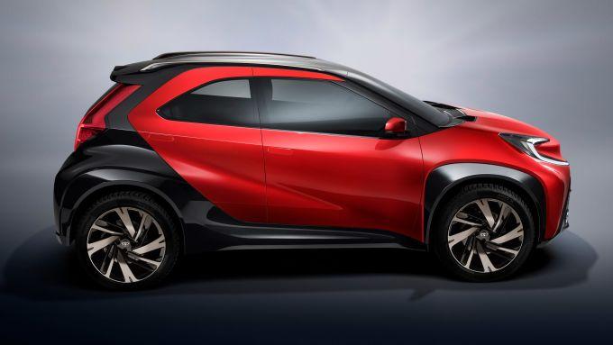 Toyota Aygo X Prologue: forme compatte e stile crossover per il concept