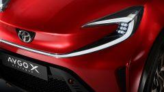 Toyota Aygo X Prologue: l'originale design dei fari anteriori a tutta lunghezza
