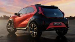 Toyota Aygo X Prologue: posteriore robusto e tinte bicolore