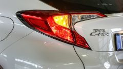 Toyota C-HR 1.2 Active: dettaglio del fanale