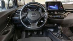 Toyota C-HR 1.2 Active: la plancia