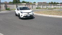 Toyota C-HR 1.2 Active: la prova su strada
