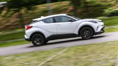 Toyota C-HR 1.2 Active: vista laterale