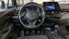 Toyota C-HR 1.2 Turbo benzina: la plancia