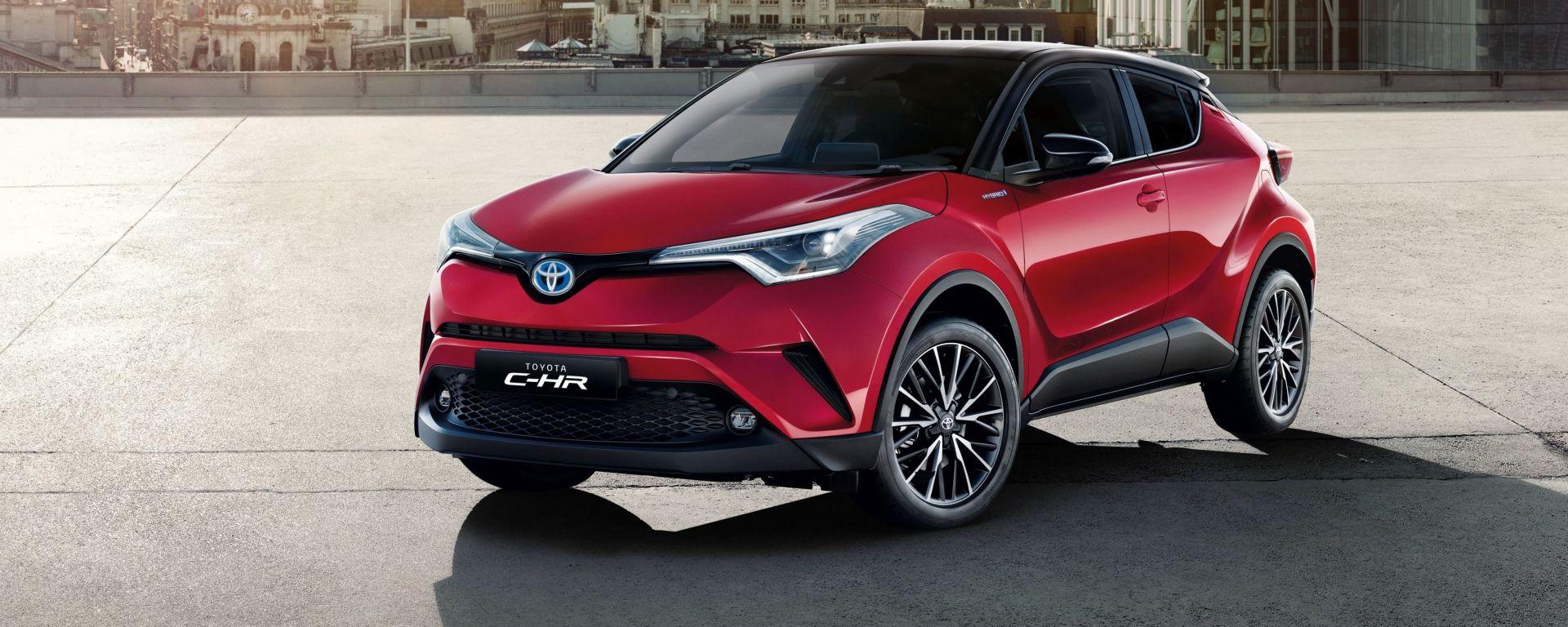 Toyota c hr arriva l 39 allestimento trend gamma 2018 da 23 for Macchine da cucire toyota prezzi