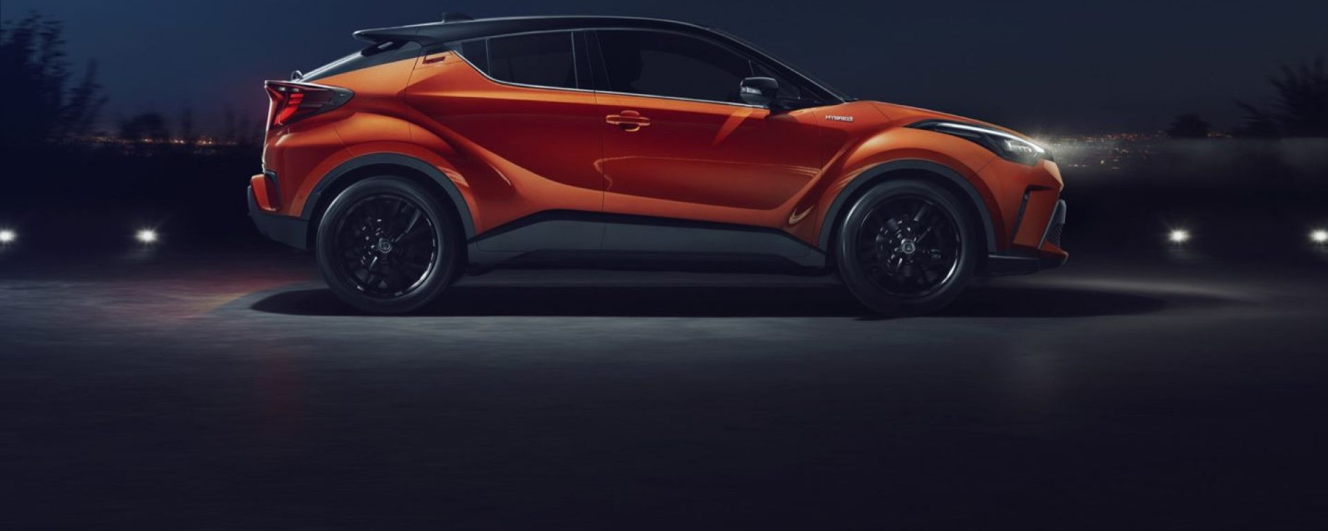 Toyota C-HR 2020: fari a Led davanti e dietro